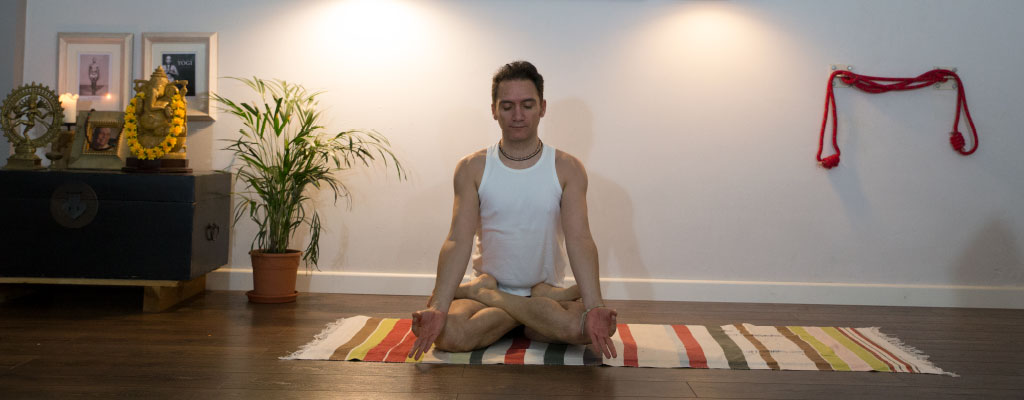 Ignacio de Frutos - Meditación. / Ashtanga Yoga Madrid | The Mysore Shala